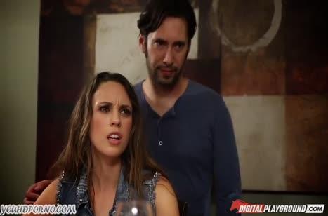 Шлюшка Jade Nile устраивает с мужиками групповой БДСМ
