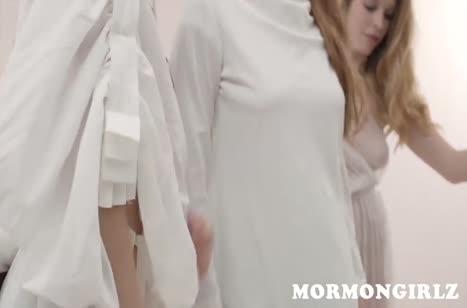 Красивые подружки невесты занялись групповым лесбо сексом