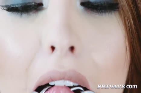 Красотка Lara Duro порадовала самца эротичным прикидом