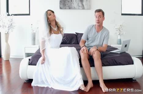 Чувак умудрился трахнуть свою невесту и любовницу по очереди